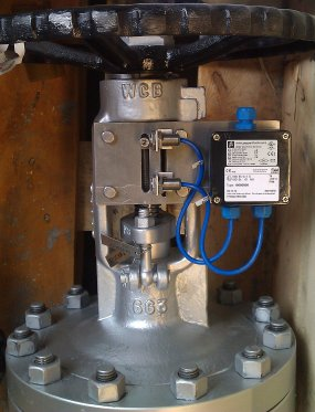 Limit switches mounted on gate valve max DN400