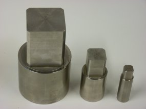 Couplings and brackets for Valves